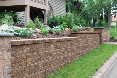 G Stone Wall 300 260x180x125 Bracken Thistle Timber